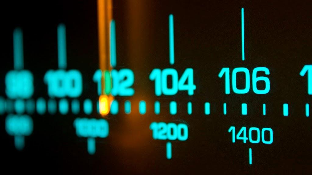 ¿Cómo Influyen las Radios En Los Artistas Nuevos?